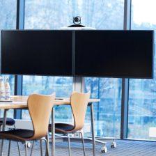 Elegantný a flexibilný držiak pre dve obrazovky na kolieskach